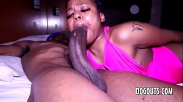 Family psychologist treats married guy's big dick