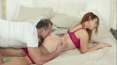 luscious lesbian girlfriends scissoring in oral pool