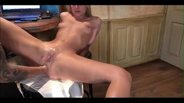 Plump stepdaughter in pigtails fucks her stepfather